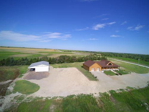 Beautiful Home Near Webster Lake : Damar : Rooks County : Kansas