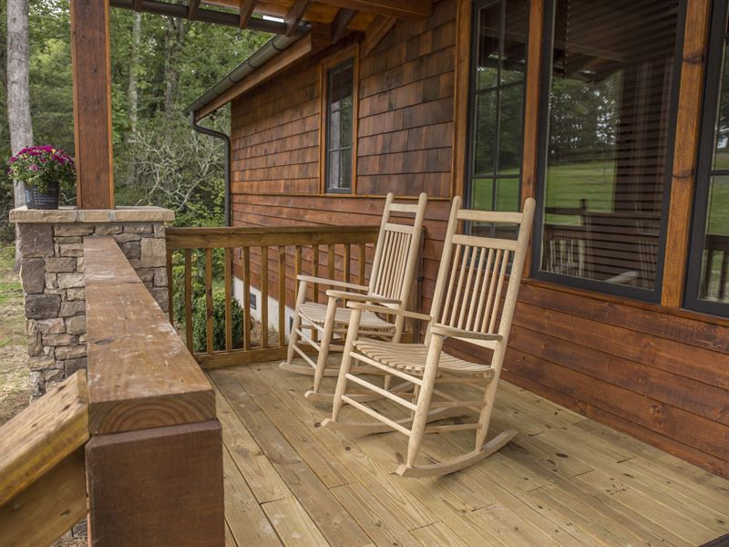 Brand New Riverfront Cottage : Banner Elk : Avery County : North Carolina