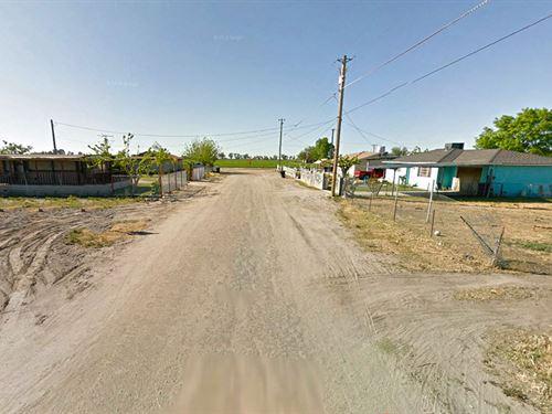 Quarter-Acre Lot In Developed Ca : Alpaugh : Tulare County : California