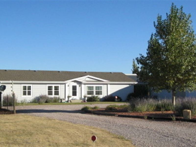 3/2 Home, Shop, Pond, Barn : Moorcroft : Crook County : Wyoming