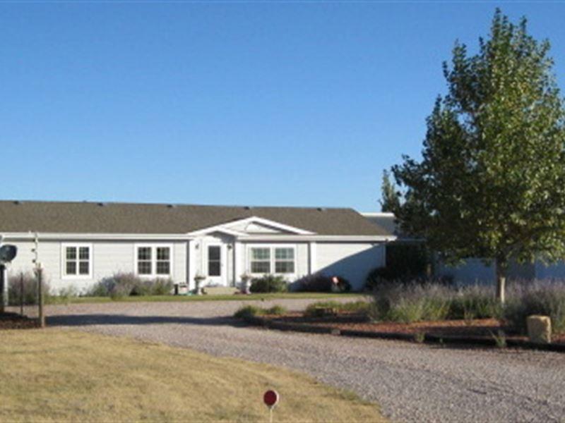 3/2 Home, Shop, Pond, Barn : Moorcroft : Crook County : Wyoming