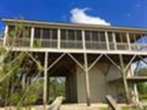 Lake House On Beautiful Lake Mary : Woodville : Wilkinson County : Mississippi