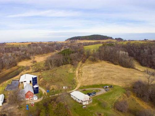 Buck Legacy Farm 415 Acres Per Tr : Arcadia : Trempealeau County : Wisconsin
