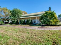 Historic Peacock Inn On 65 Acres : College Grove : Williamson County : Tennessee