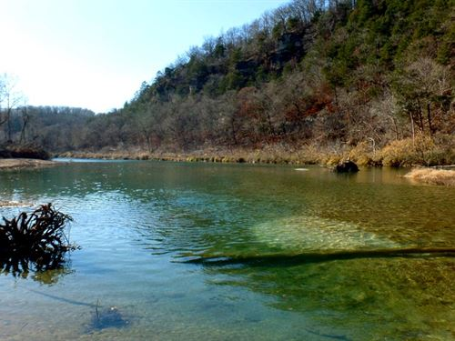 Beautiful Property Near River : Dora : Ozark County : Missouri