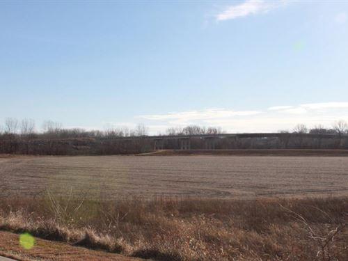 Missouri River Bottom Farm Land : Boonville : Howard County : Missouri