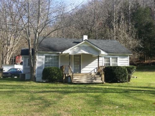 25Ac W/ 2 Story Farm House & Barn : Red Boiling Springs : Jackson County : Tennessee