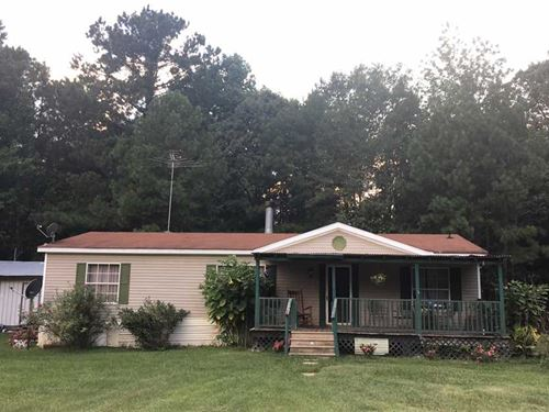 3 Acres With 3 BR 2 BA Home in : Chunky : Newton County : Mississippi