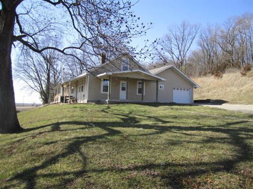 Tillable, Pasture & Hunting Farm : New Franklin : Howard County : Missouri