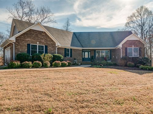 Brick Home On 46 Acres : Santa Fe : Maury County : Tennessee