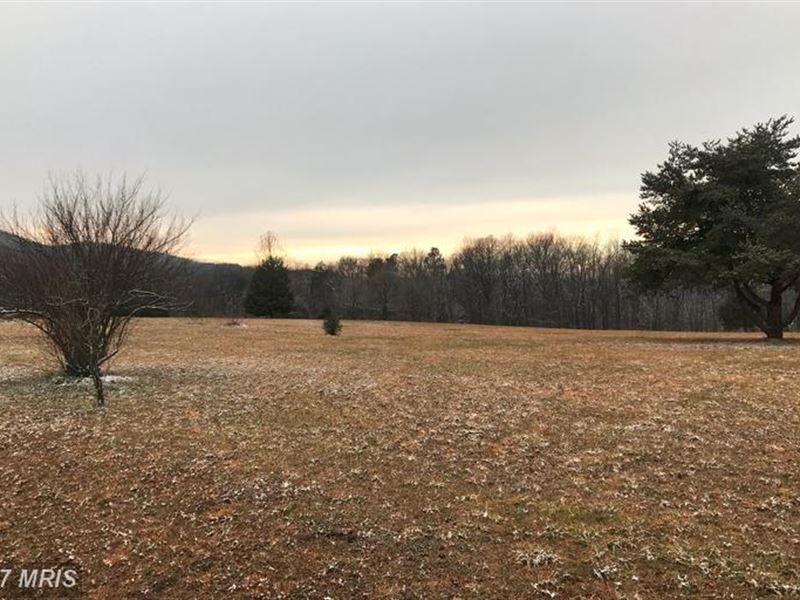 Mountain Views : Augusta : Hampshire County : West Virginia