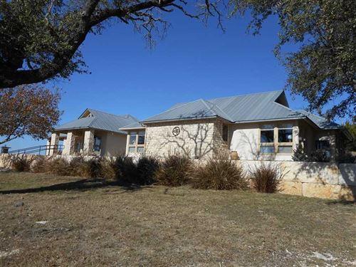Lampasas County Custom Home With : Lampasas : Texas