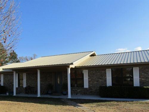 Home On Two Plus Acres : Broken Bow : McCurtain County : Oklahoma