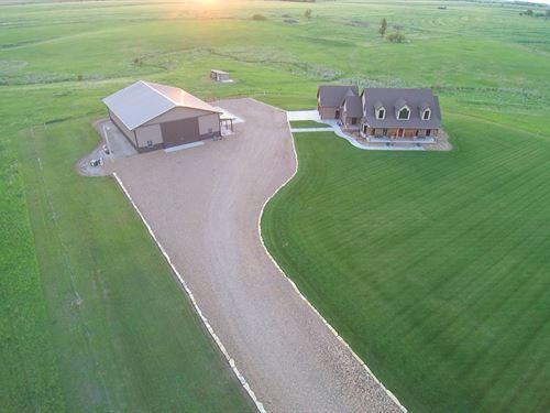 Country Home In Barton County : Claflin : Barton County : Kansas