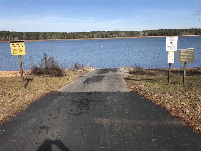 Lakefront Living : Tignall : Lincoln County : Georgia