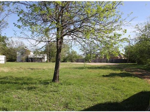 Unzoned Lot In Coveted Lake Area : Granbury : Hood County : Texas