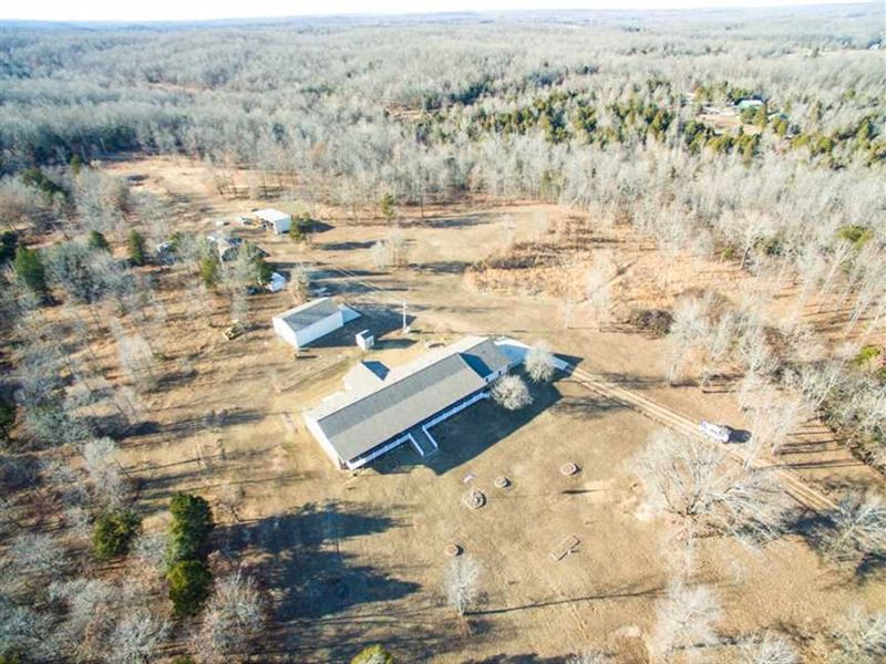 Large Home on 80 Acres For Sale in : Doniphan : Ripley County : Missouri