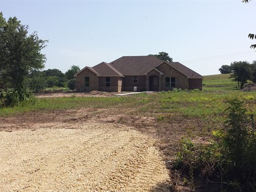 5+ Acres With Spacious Home : Stephenville : Erath County : Texas