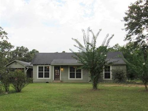 Recently Updated, Beautiful 3 BR : Kosciusko : Attala County : Mississippi