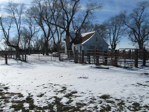 Farmhouse & Outbuildings on 3 : Galt : Grundy County : Missouri