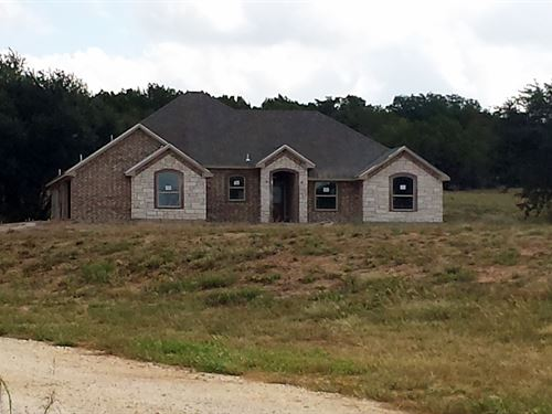 Home With 5 Secluded Acres : Stephenville : Erath County : Texas