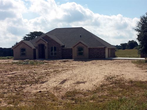 2650 Sf Home On 10+ Acres : Stephenville : Erath County : Texas