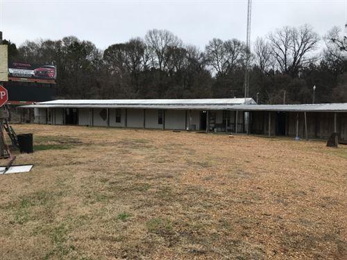 939 Hwy 61 : Natchez : Adams County : Mississippi