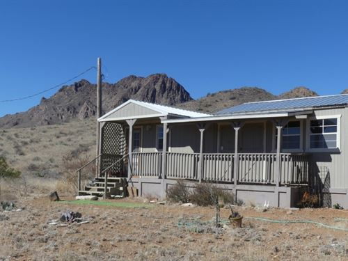 111 Acres With Cabin : Terlingua : Brewster County : Texas