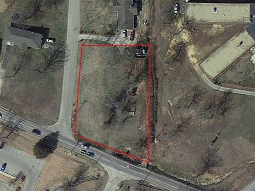Large Corner Lot For Sale in Popla : Poplar Bluff : Butler County : Missouri