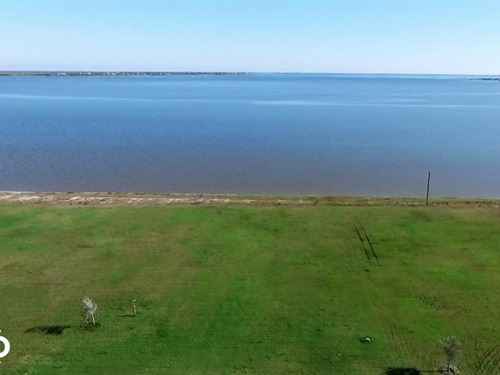 Bay Front Retreat/Development Prope : Port Lavaca : Calhoun County : Texas