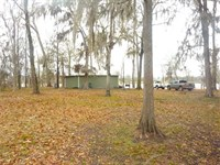 Fishing Camp on Lake Louie, Cataho : Sicily Island : Catahoula Parish : Louisiana