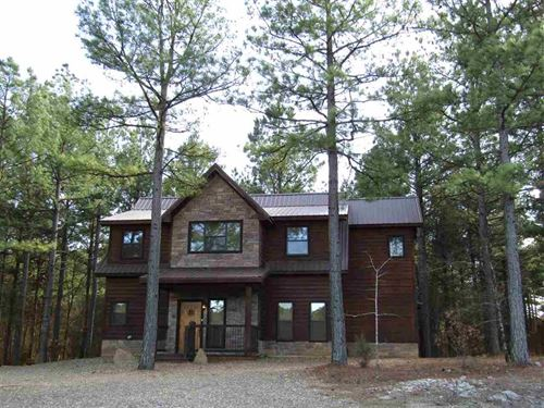 Beautfiul Cabin : Broken Bow : McCurtain County : Oklahoma