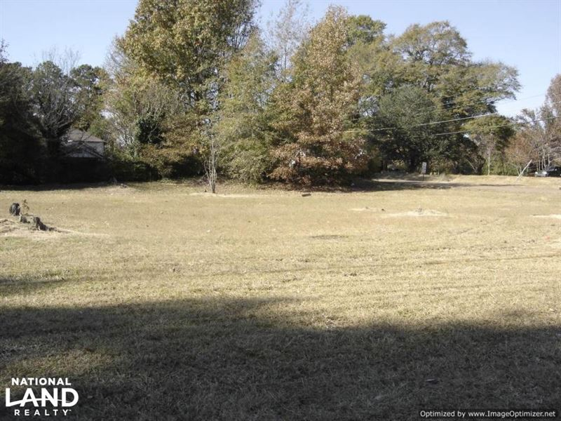 8 Ac, Commercial And Residential Pr : Winona : Montgomery County : Mississippi