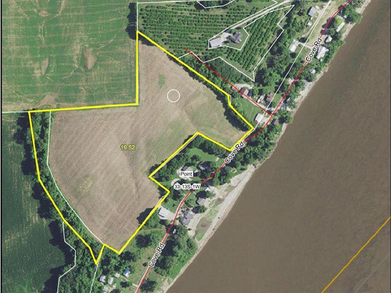 Tillable Farm : Golden Eagle : Calhoun County : Illinois