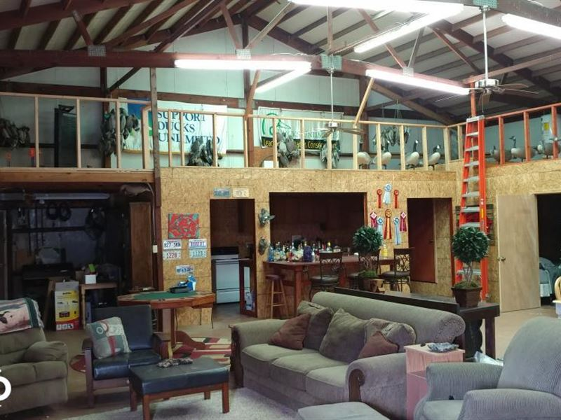 Fully Furnished Duck Lodge Close to : England : Lonoke County : Arkansas