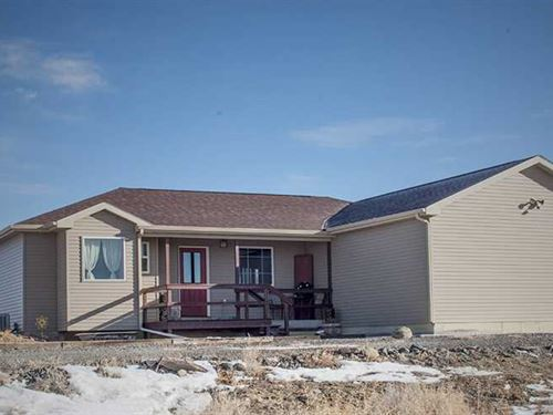 Three Bedroom, Three Bath Home on : Powell : Park County : Wyoming