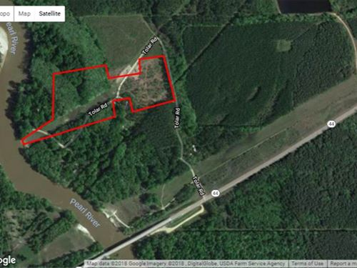 This Unique 22 Acre Property is : Columbia : Marion County : Mississippi