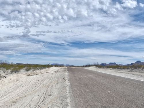 20 Acres, County Road Frontage : Alpine : Brewster County : Texas
