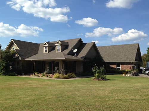 Premier Ranch, Home & Agribusiness : Charleston : Franklin County : Arkansas