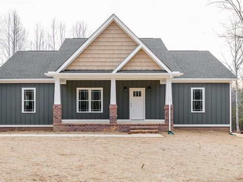 New Home On 4.81 Acres : Gum Spring : Louisa County : Virginia