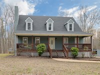 Beautiful Turn-Key On 2.5 Acres : Cartersville : Cumberland County : Virginia