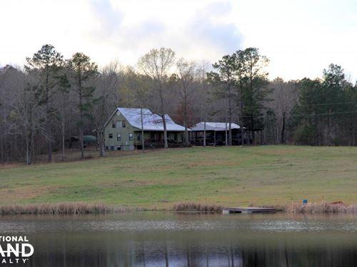 The 20 Point Buck Lodge Lake And Fa : Gallion : Marengo County : Alabama