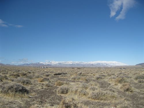 Breathtaking Desert Mountain Views : Fernley : Lyon County : Nevada