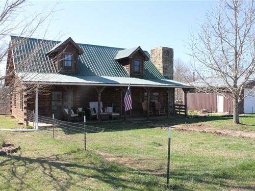 Turn Key, Log Cabin Living on 26 : Elk Horn : Taylor County : Kentucky