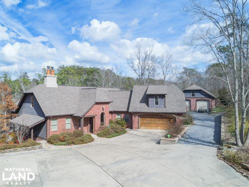 Highland Lake Custom Home on Brashe : Oneonta : Blount County : Alabama
