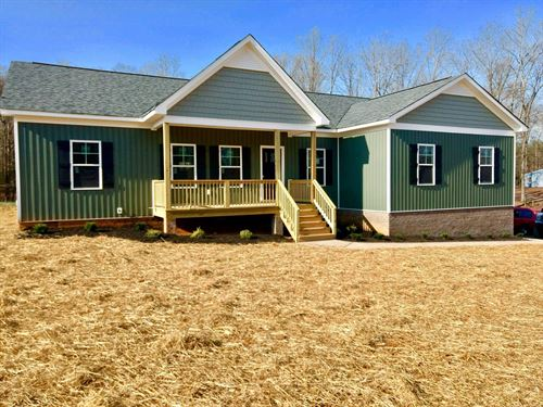 2.73 Acres With Beautiful New Home : Powhatan : Virginia