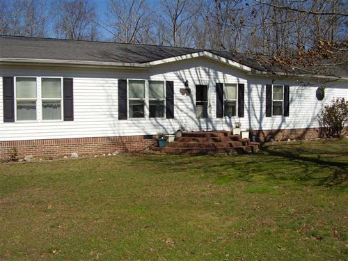 Nice Home on 22 Acres in Hohenwald : Hohenwald : Lewis County : Tennessee
