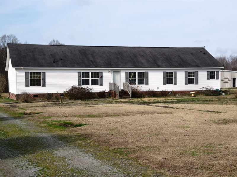 Country Home On 2.45 Acres : Ivor : Southampton County : Virginia