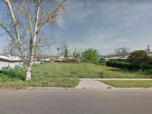 .16 Acres In Fresno, CA : Fresno : California