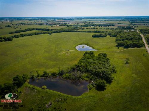 137 Acres of Pasture, Hunting And : Cherryvale : Montgomery County : Kansas